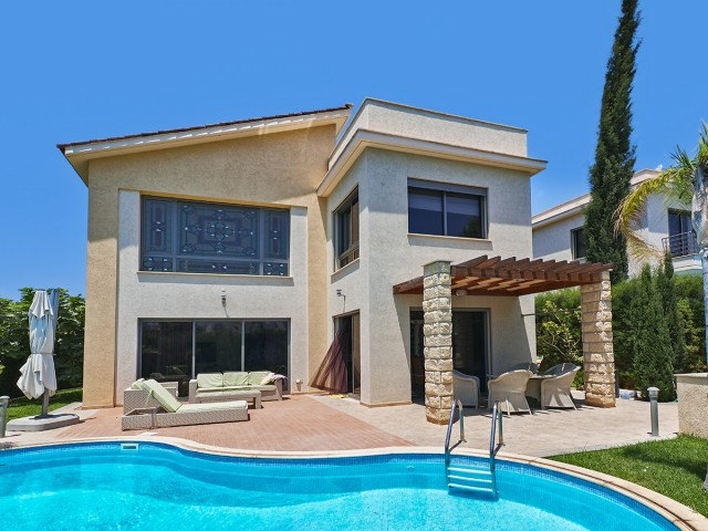 Villa in Limassol with 4 bedroom, East Beach