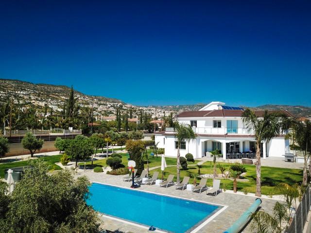 Villa in Paphos with 7 bedrooms, Coral Bay